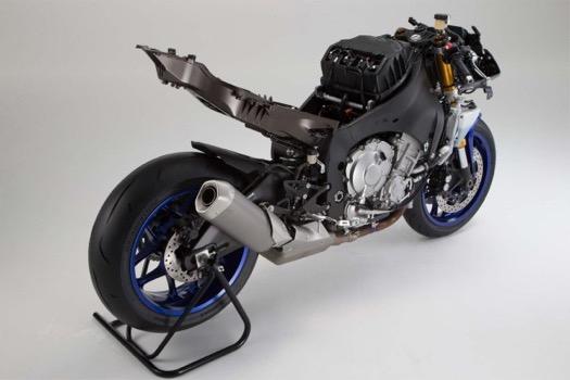 2015-Yamaha-YZF-R1-39