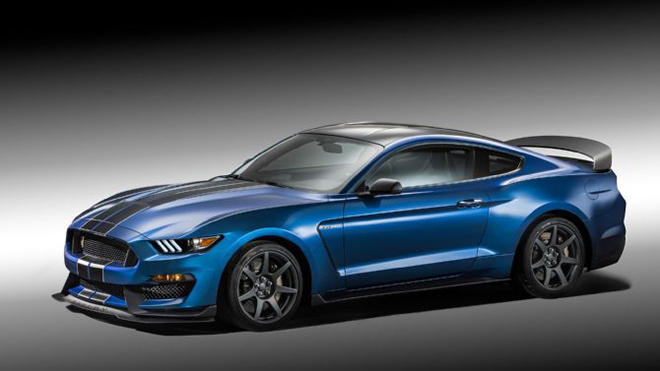 ford-shelby-gt350r-mustang-front-three-quarter