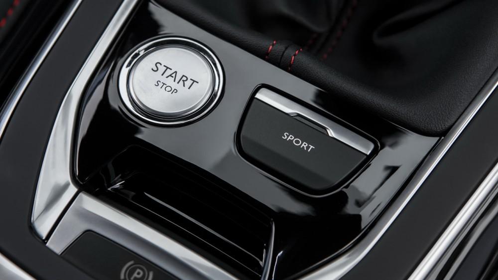 Peugeot-308-GTi-31