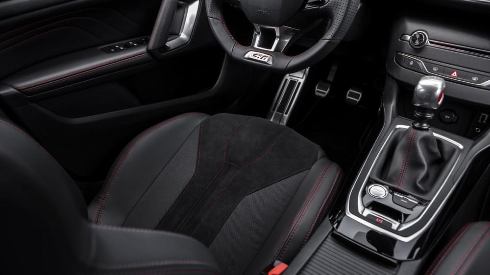 Peugeot-308-GTi-36