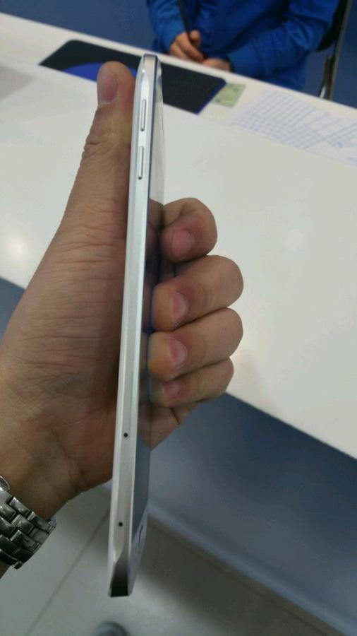 Samsung-Galaxy-A8-03