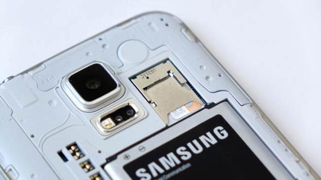 Samsung_Galaxy_S6_battery_2600-tech-boom.com-01