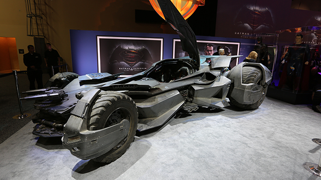 batman-vs-superman-batmobile-image