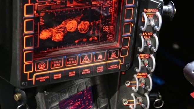 batmobile-defenses-batman-vs-superman-600x464