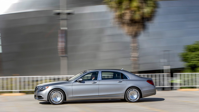 2016-Mercedes-Maybach-S600-1021-876x535