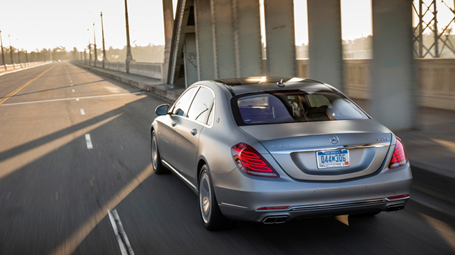 2016-Mercedes-Maybach-S600-1031-876x535