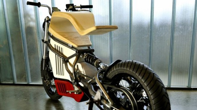 e-raw-electric-motorcycle-wood-seat-5