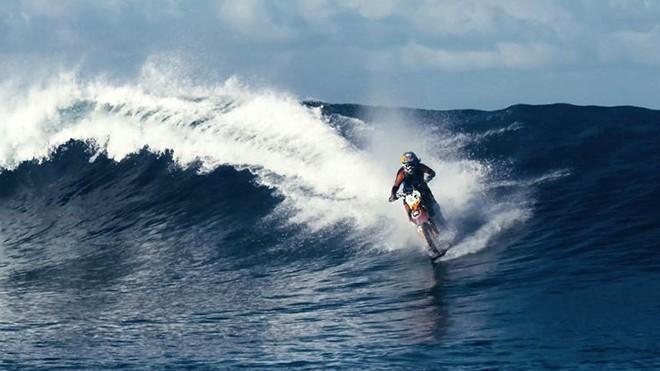 robbie-madison-surf-motorcycle-8