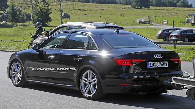 2017-Audi-S4-12
