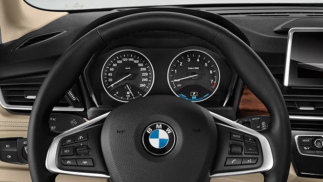 BMW-225xe-10
