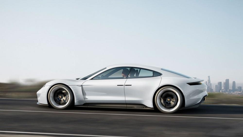 Porsche-Mission-E-Concept--33