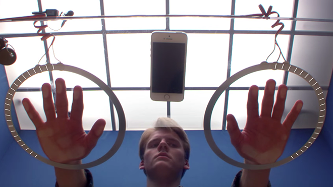 moto-experiment-out-of-touch-how-long-can-people-go-without-touching-their-phone-youtube-2015-11-16-10-52-19