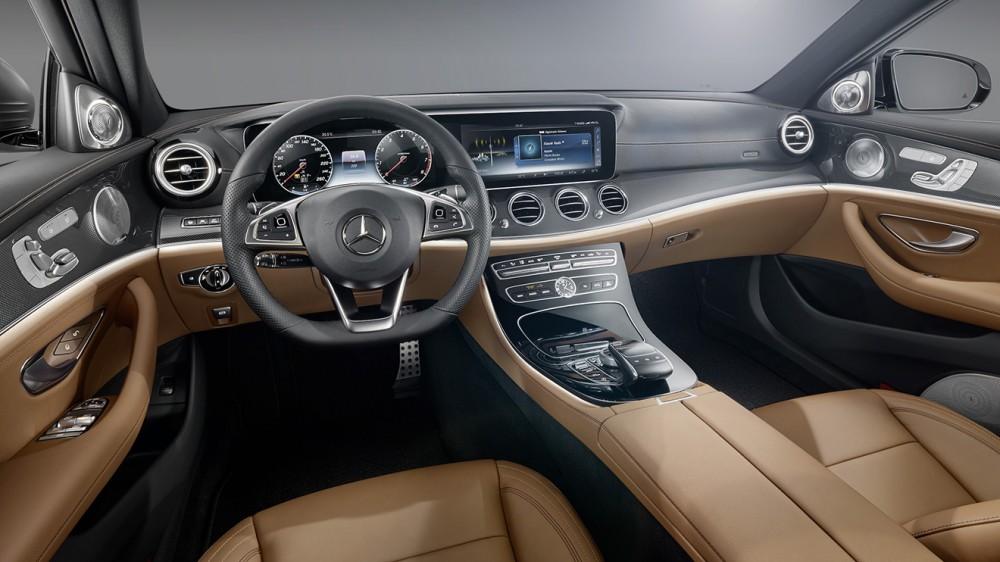 002-2017-mercedes-e-class-interior-1