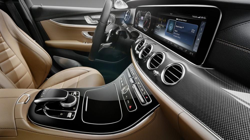 004-2017-mercedes-e-class-interior-1