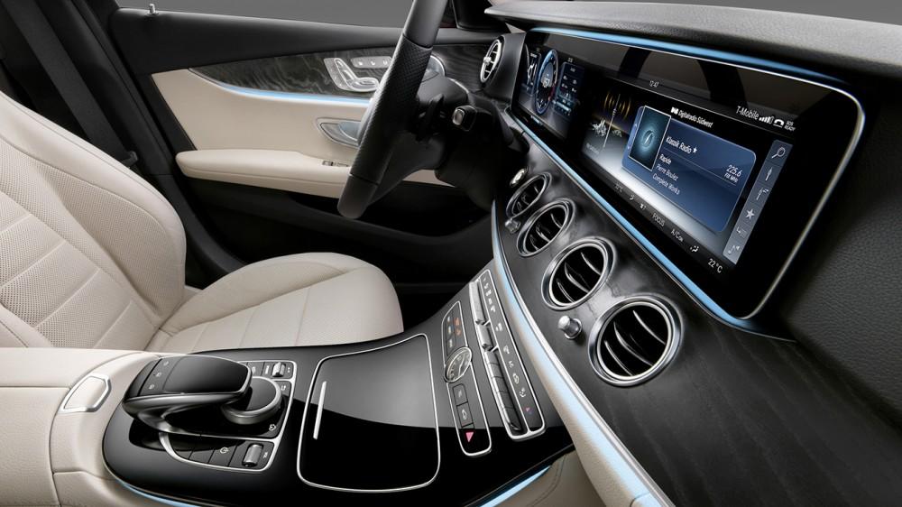007-2017-mercedes-e-class-interior-1