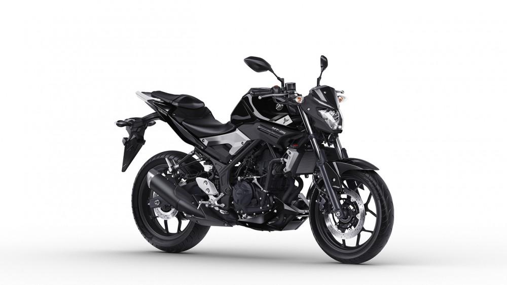 2016-Yamaha-MT250-EU-Midnight-Black-Studio-001