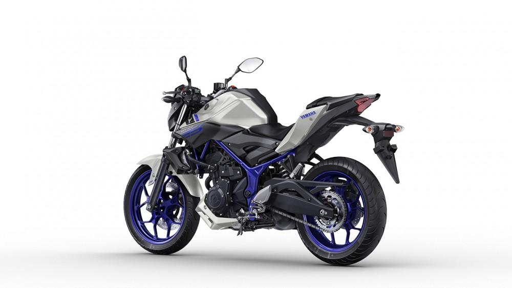 2016-Yamaha-MT250-EU-Race-Blu-Studio-005
