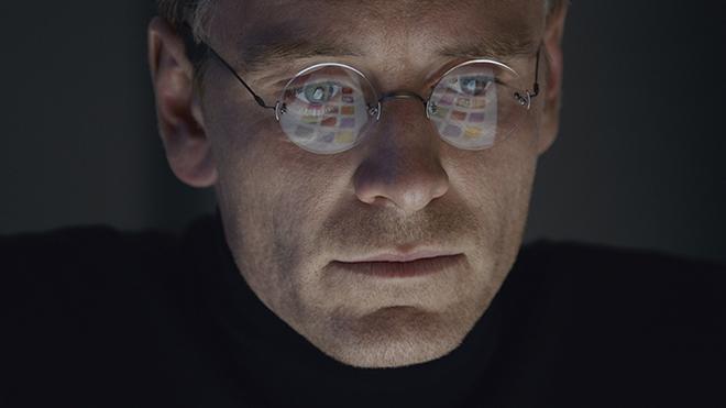 steve-jobs-movie-2015-holding-1