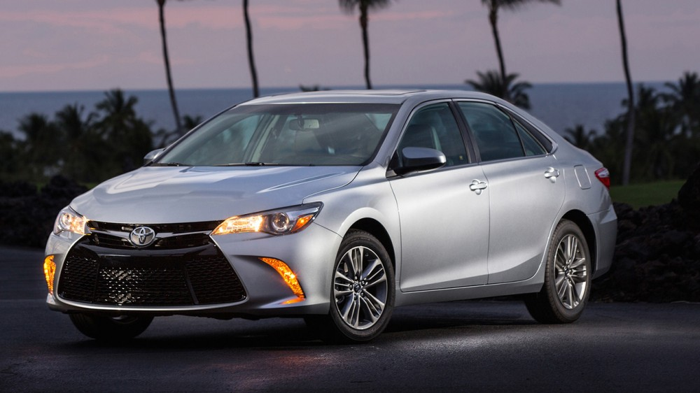 2016_toyota_camry-pic-3766702507293730940-1600x1200