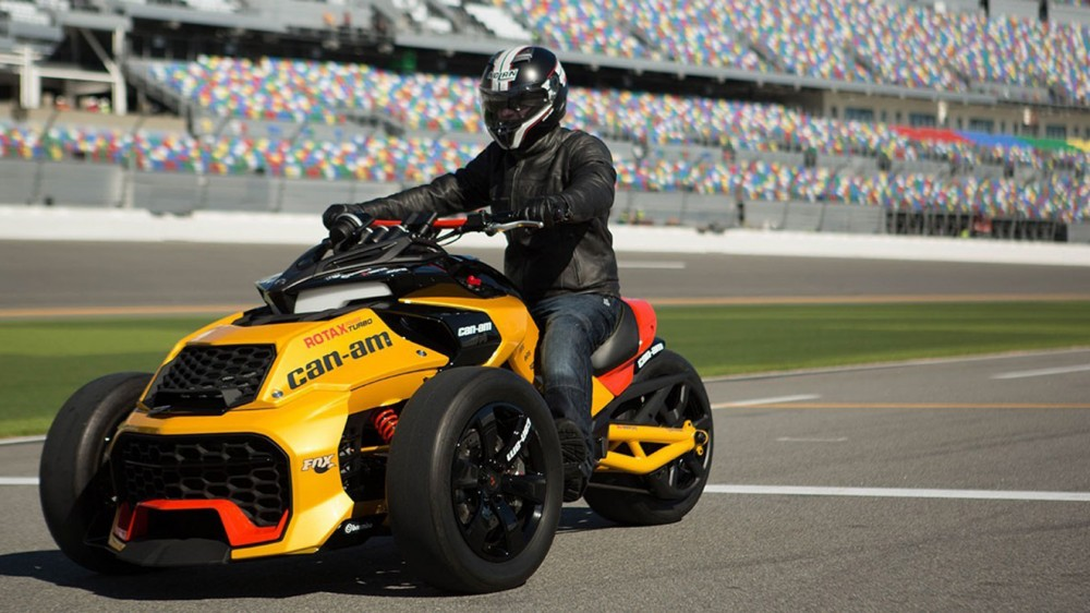 can-am-spyder-f3-turbo-concept-001-1