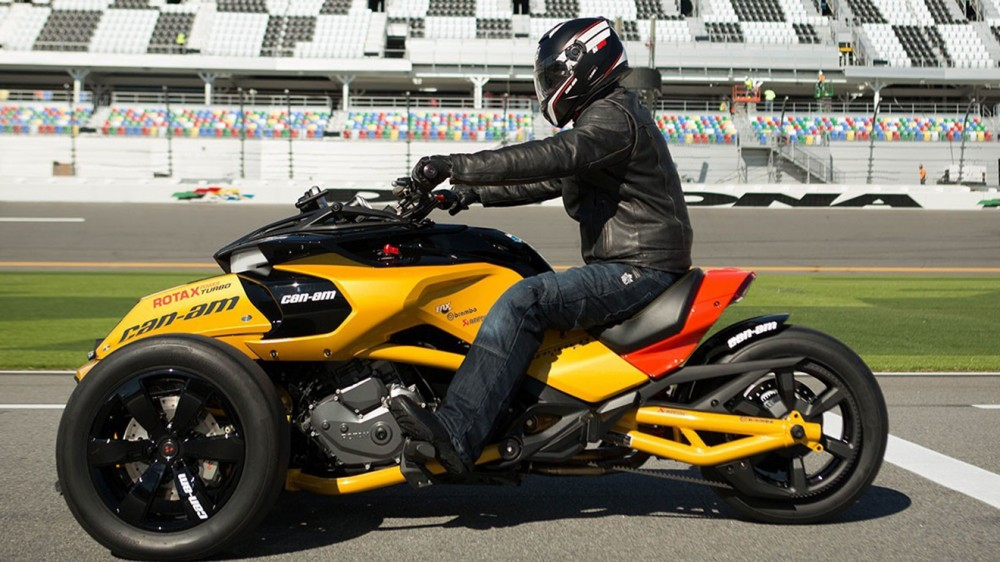 can-am-spyder-f3-turbo-concept-002-1