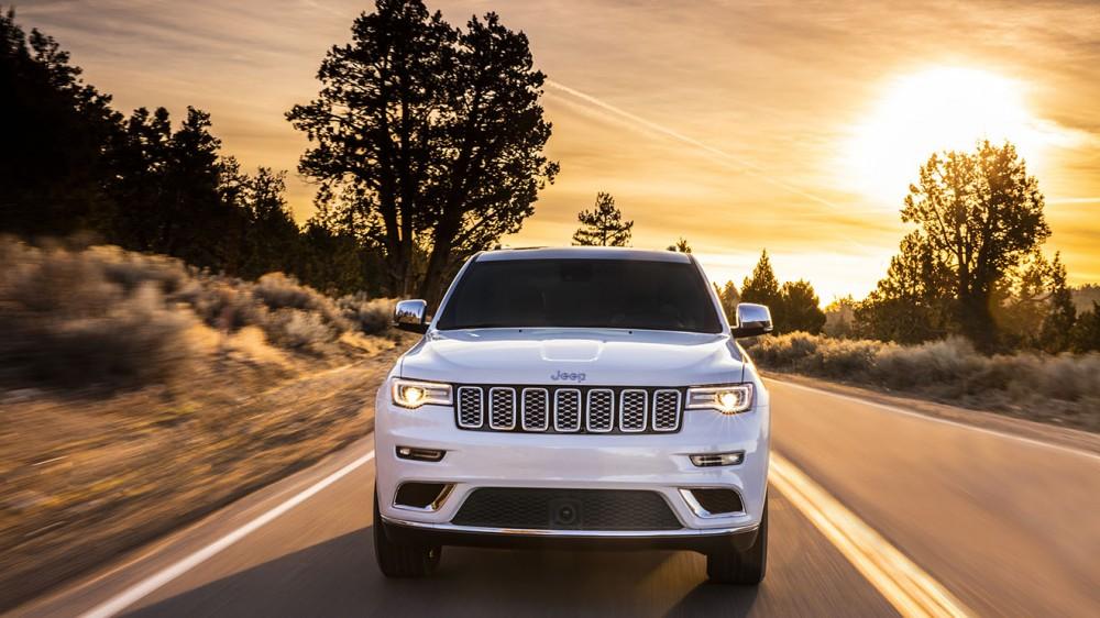 005-jeep-grand-cherokee-summit-1