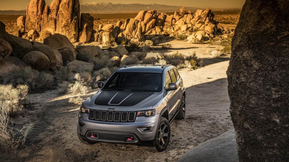 022-jeep-grand-cherokee-trailhawk-1