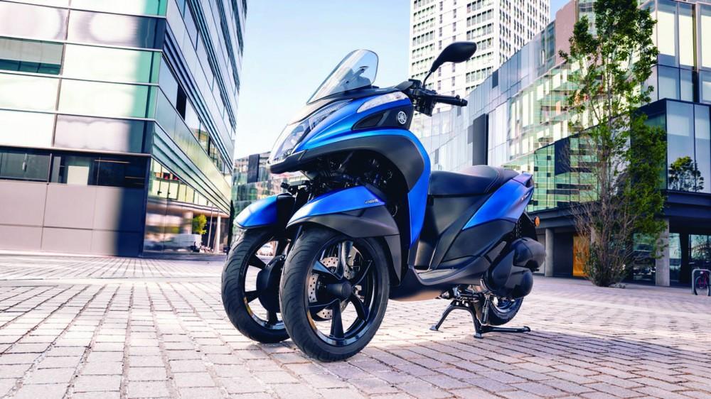 2016-Yamaha-Tricity-155-EU-Cyber-Blue-Static-005