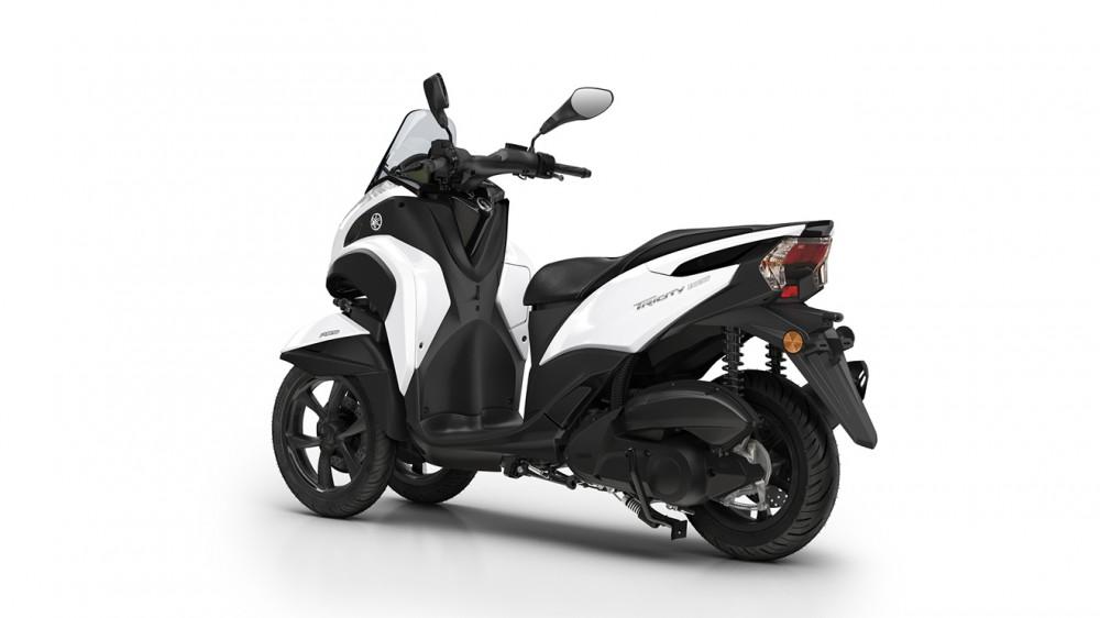 2016-Yamaha-Tricity-155-EU-Milky-White-Studio-005