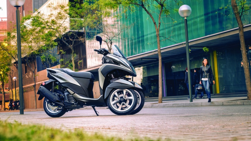 2016-Yamaha-Tricity-155-EU-Oxford-Grey-Static-001