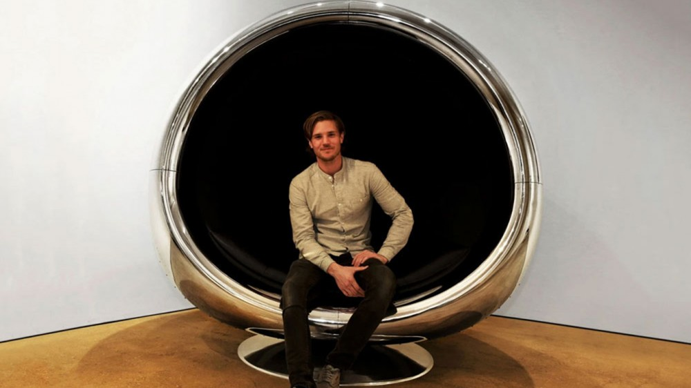 Boeing-737-Engine-Cowling-chair-2