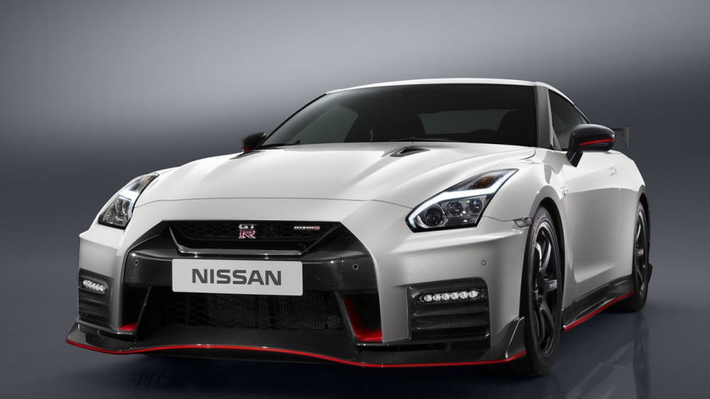 nissan-gtr-nismo-2017-launched-1