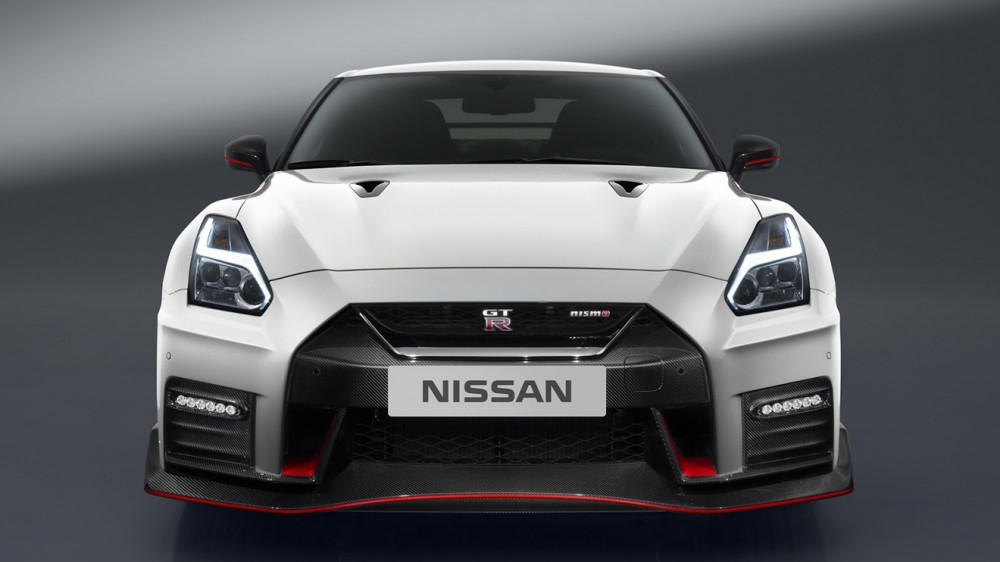 nissan-gtr-nismo-2017-launched-5