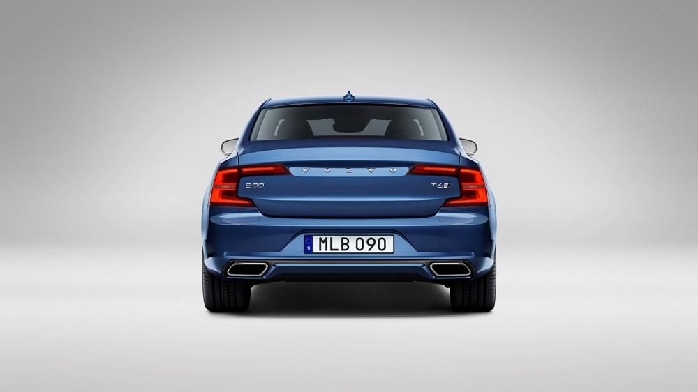 Volvo S90 R-design Studio