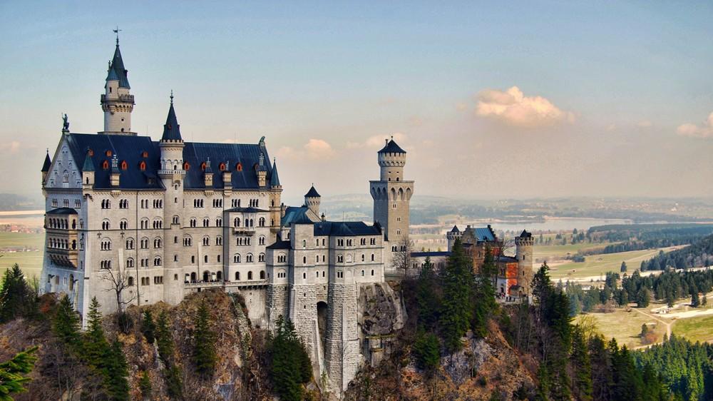 Neuschwanstein-Castle-Germany-Pictures