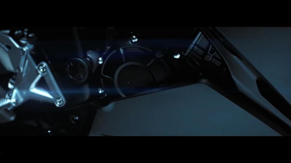 2017-Honda-CBR250RR-teaser-video-clutch-cover