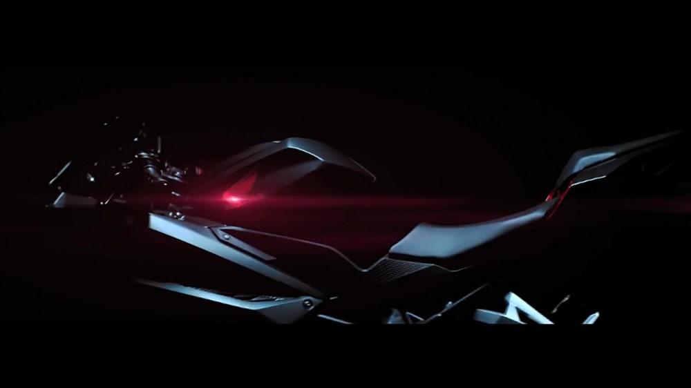 2017-Honda-CBR250RR-teaser-video-honda-logo