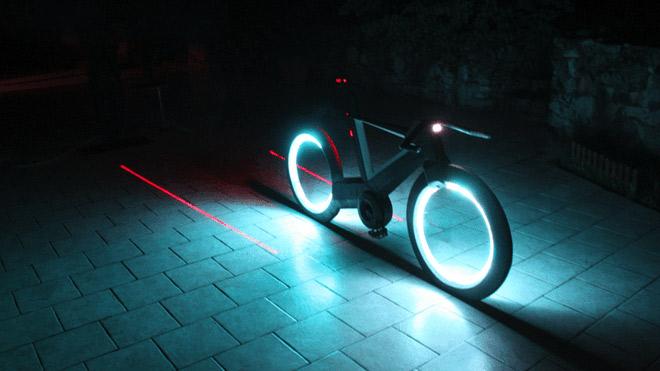 Fütüristik tasarımlı akıllı bisiklet Cyclotron