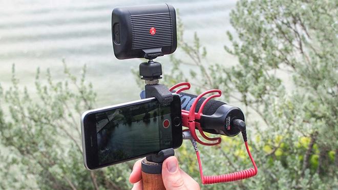 Telefonları profesyonel kameraya dönüştüren aksesuar