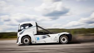 volvo-trucks-iron-knight-world-land-speed-records-1