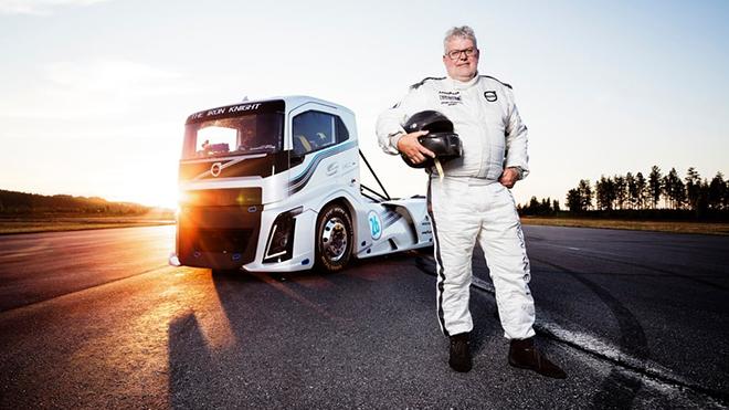 volvo-trucks-iron-knight-world-land-speed-records-5