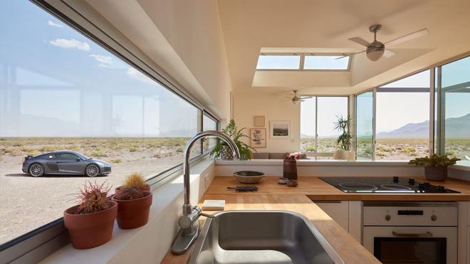audi-r8-airbnb-06