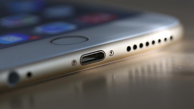 Apple Lightning girişinin de fişini çekebilir