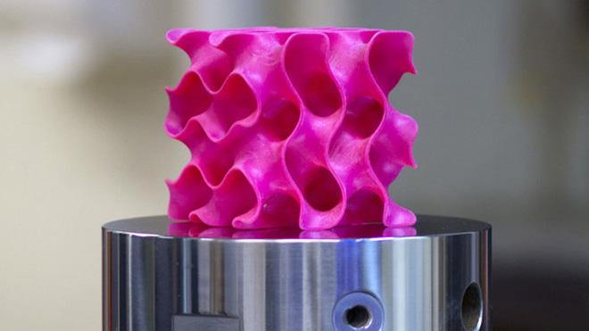 MIT mühendisleri çelikten 10 kat daha güçlü bir materyal elde etti