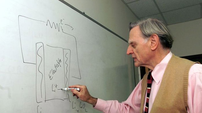 Lityum iyon pilin mucidi yepyeni bir pil teknolojisi üzerinde çalışıyor