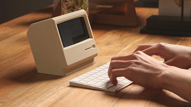 iPhone'a orijinal Macintosh görünümü kazandıran stant