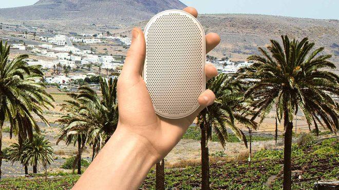 Hareketle ve sesle kontrol edilebilen ultra kompakt kablosuz hoparlör: Bang & Olufsen BeoPlay P2 [Video]