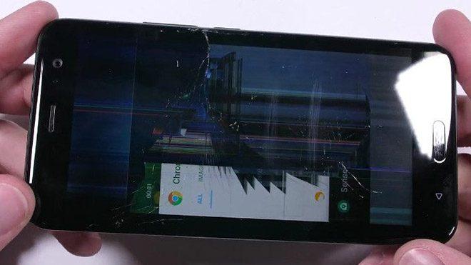 HTC U11'in dayanıklılık testinde şaşırtan sonuç [Video]