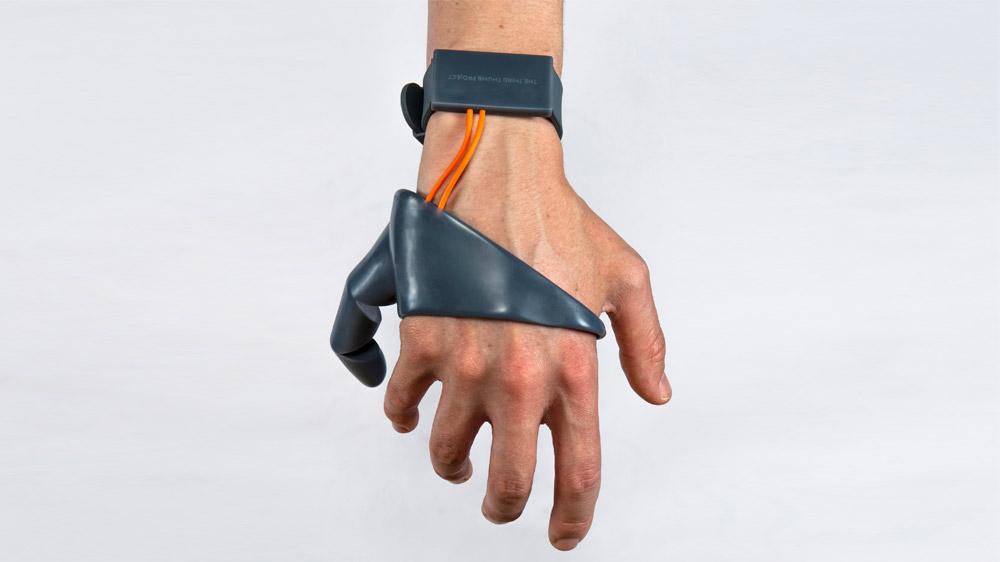 Üçüncü bir baş parmak proteziyle yeni yetenekler kazanmak mümkün