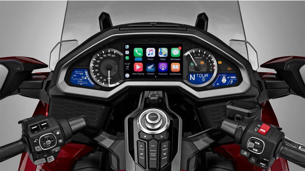 Apple carplay destekli ilk motosiklet 2018 honda gold for Honda apple play